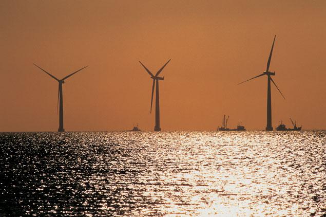 À qui va profiter le business des éoliennes installées en mer ?